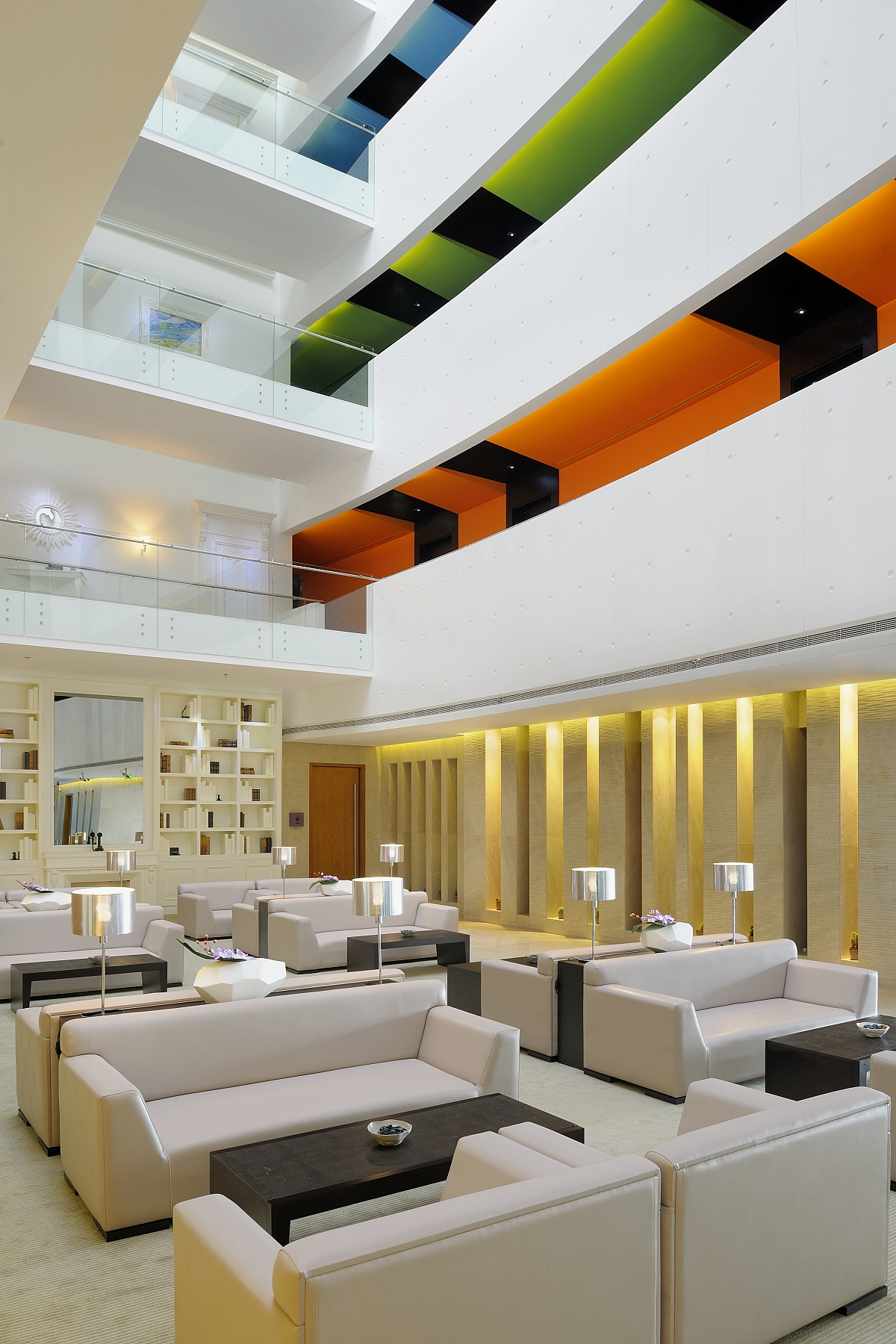Hues boutique hotel dubai arabsk emir ty ck fischer for Hues hotel dubai