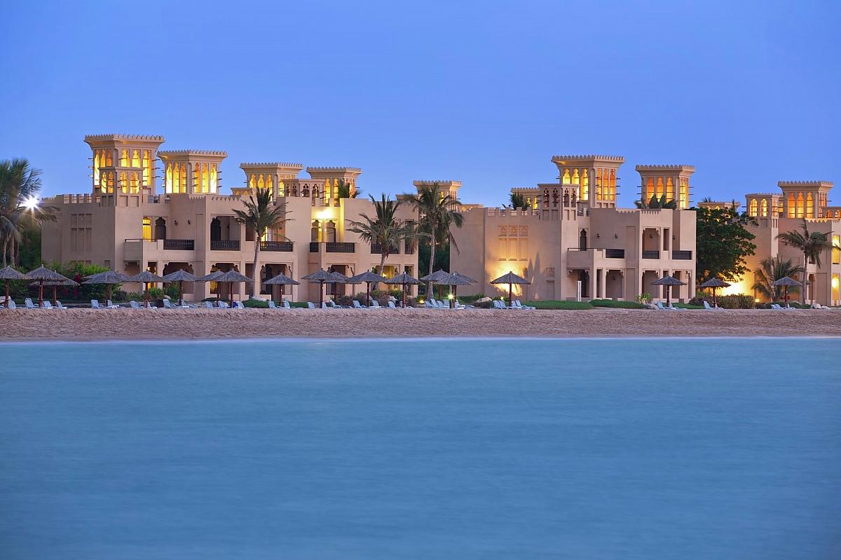 Al Hamra Fort Hotel Beach Resort