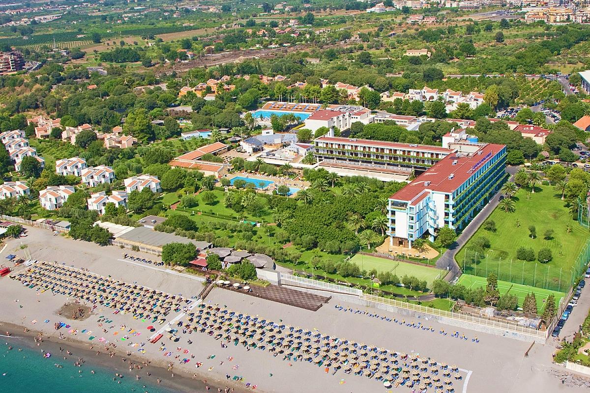 Atahotel naxos beach it lie ck fischer for Mobilia giardini naxos