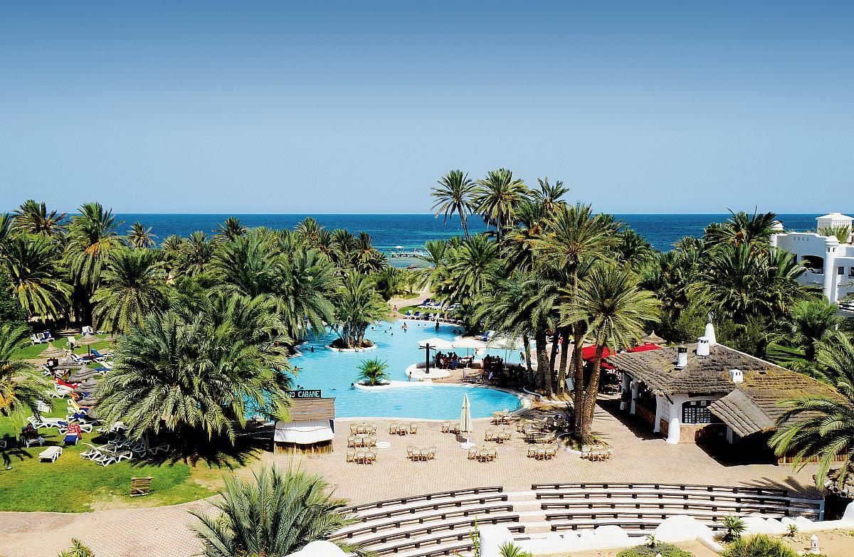 Зарзис - райское местечко с мерцающим бирюзовым морем.